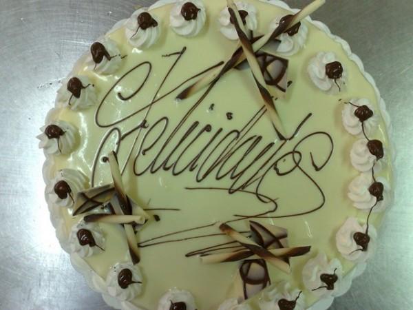 Baño Chocolate Blanco Para Tartas:Tarta de chocolate blanco – Pasteleria en Lorca y Aguilas
